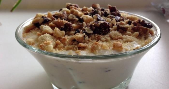 легкий творожный десерт с орехами