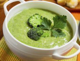 яркий суп с брокколи
