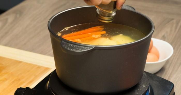 варка моркови и картофеля