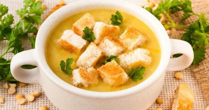суп из бобовых с гренками
