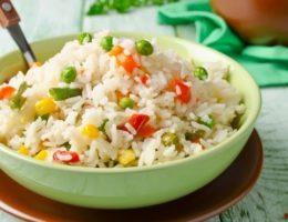 яркий рис в мультиварке