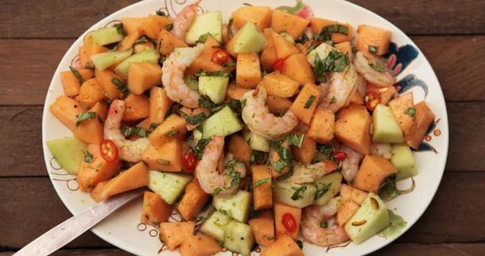 кисло-сладкий салат с креветками