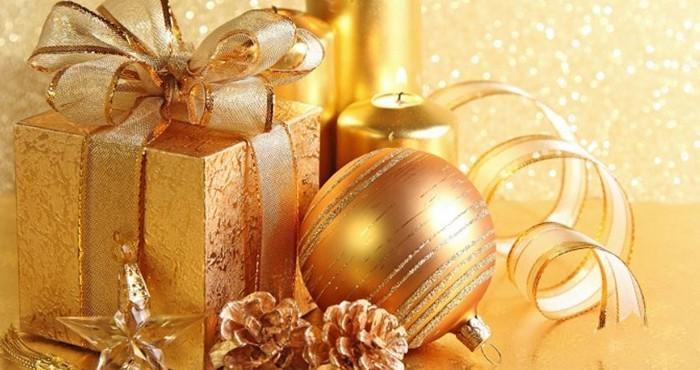 шишки с подарками