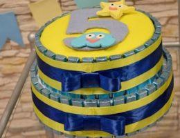 конфетный торт на день рождения
