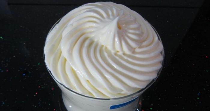 густой сметанный крем для бисквита