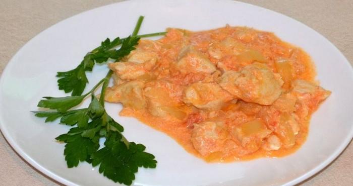 нежное филе в сметанно-томатном соусе